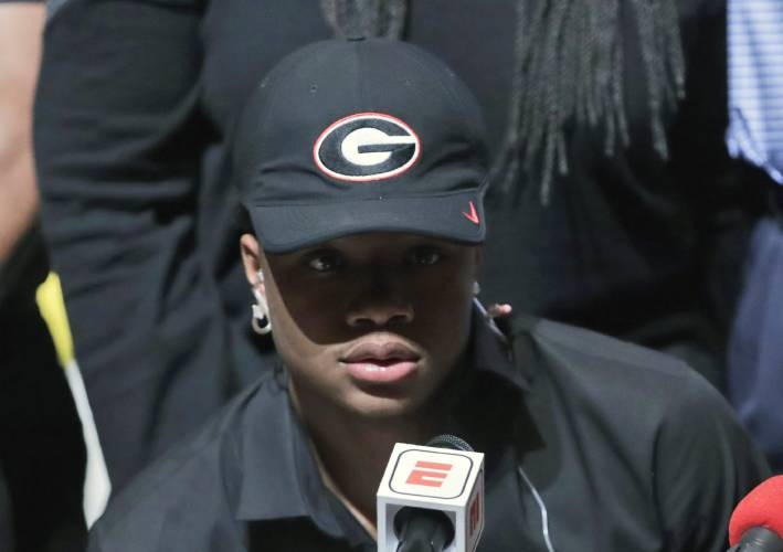 Georgia, Ohio State enter signing day vying for top class