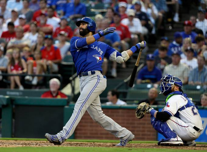 Jose Bautista, Braves agree to minor league deal