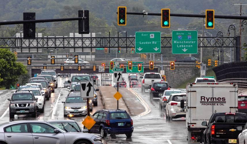 Motorcyclist dies off of Interstate 93