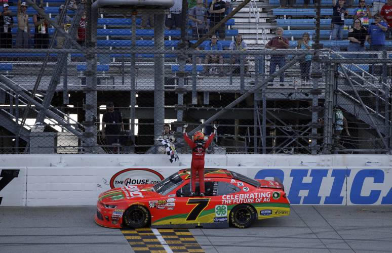 Martin Truex Jr. wins at Chicago for second-straight time