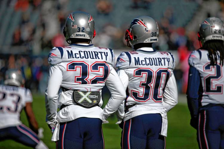 size 40 8d170 9b6ca New England's playoff game extra special for McCourty twins
