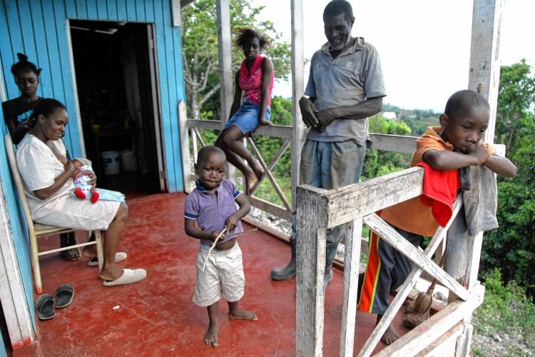 poverty in jamaica Poverty in jamaica and its effects on children.
