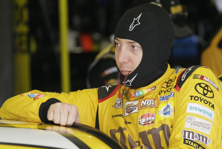 Edwards wins rain-shortened Texas race for Chase finale spot