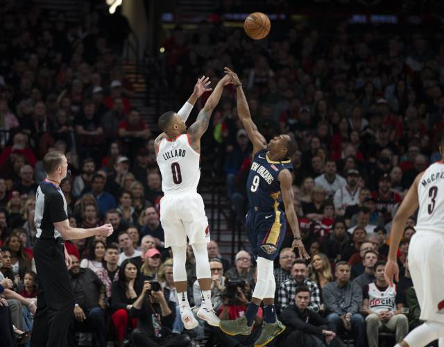 Pelicans Anthony Davis' ridiculous putback slam dunk over Jusuf Nurkic