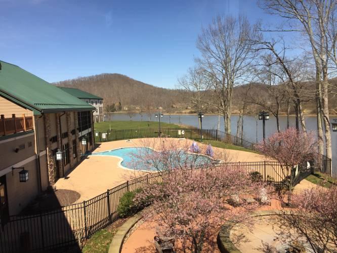 Discount winter getaways at west virginia resorts for Cheap winter weekend getaways