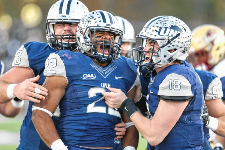 Unh Football Beats Elon To Bolster Postseason Resume