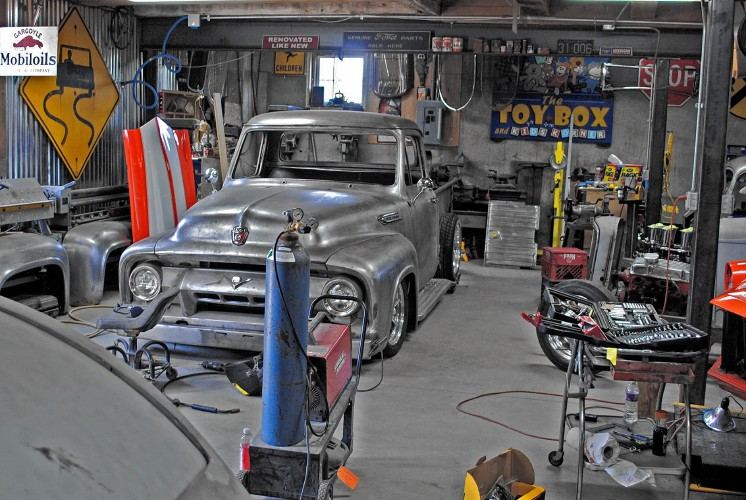 Back Yard Hot Rod Garage : Pittsfield hot rod builder races ahead by sticking to