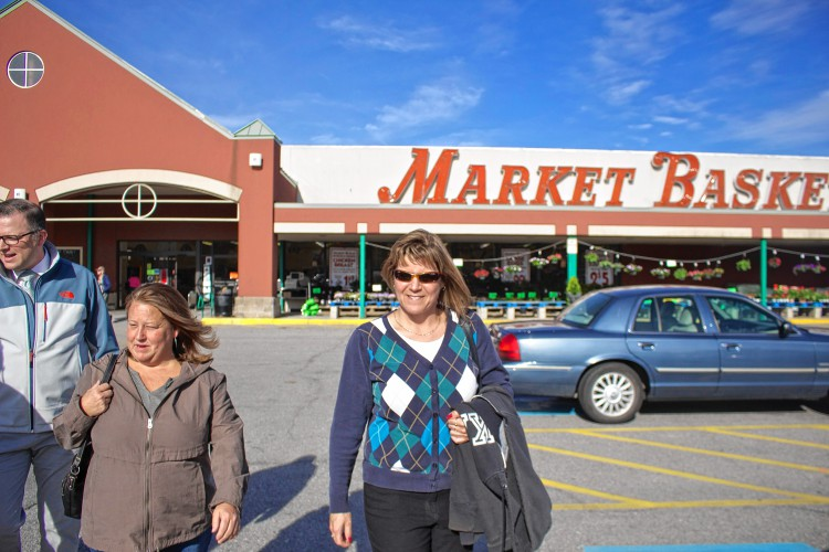 market basket employees screen documentary chronicling protests. Black Bedroom Furniture Sets. Home Design Ideas