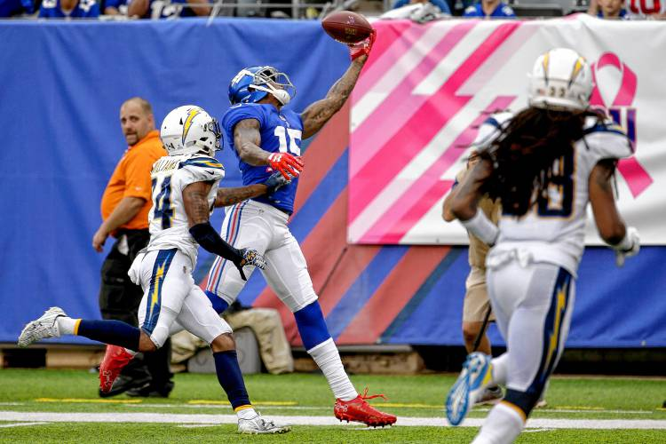 8f6c45de963 Veteran WR Marshall says he's signing with Seahawks. Former New York Giants  receiver Brandon Marshall (right) makes a catch during a game last season.  AP