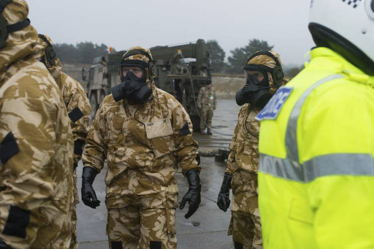 UK military chemical experts aid police in spy poison probe