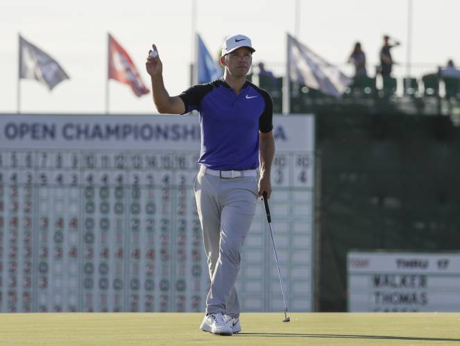 Fowler sets pace with brilliant 65 at US Open