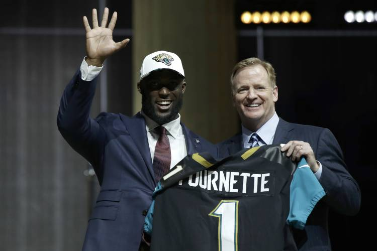 Starting with Bears, surprises galore on Day 1 of NFL draft