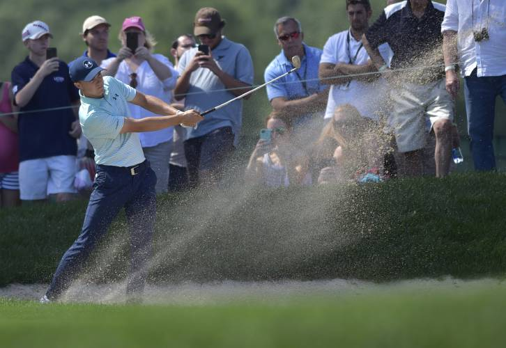 Jordan Spieth birdies 18th to keep Travelers lead