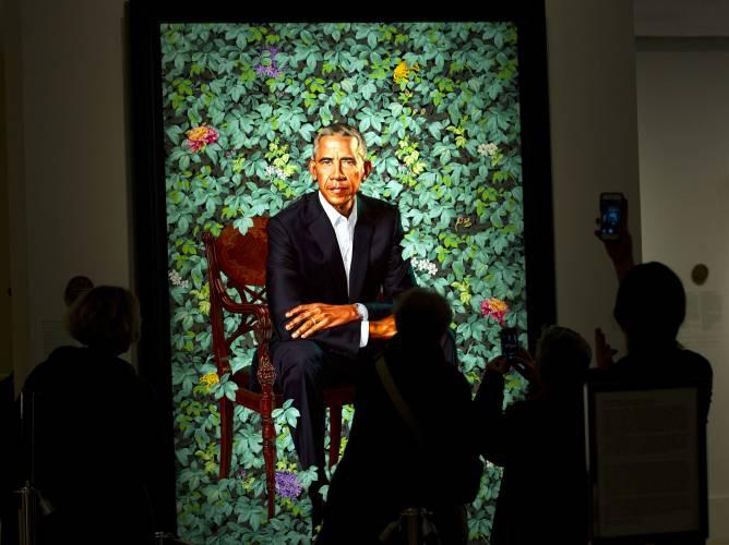 Obama portraits bring huge crowds, excitement to portrait gallery