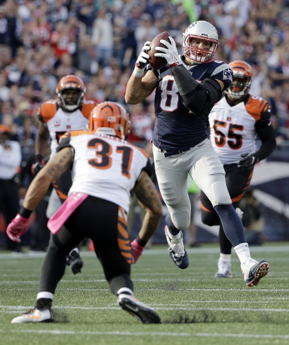 Erratic Steelers Defense Hoping To Disrupt Gronk Patriots