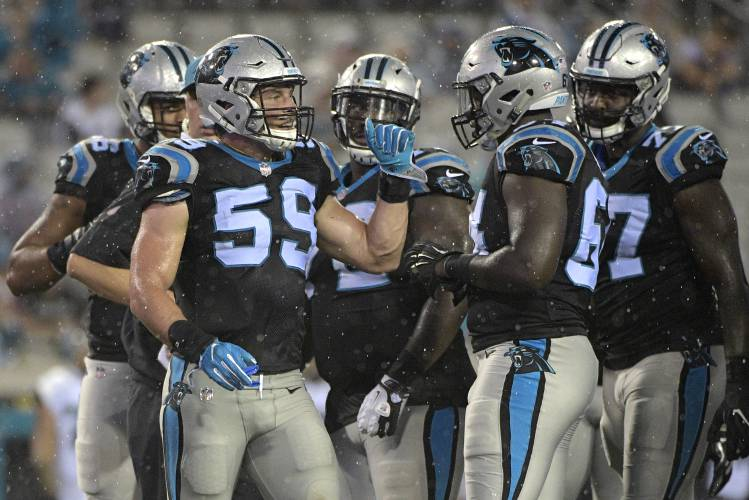 Players say Panthers owner will support them if they protest