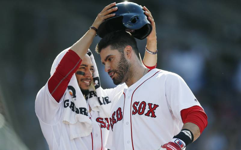 Eovaldi pitches Red Sox past Yankees 5a92ecaebb2