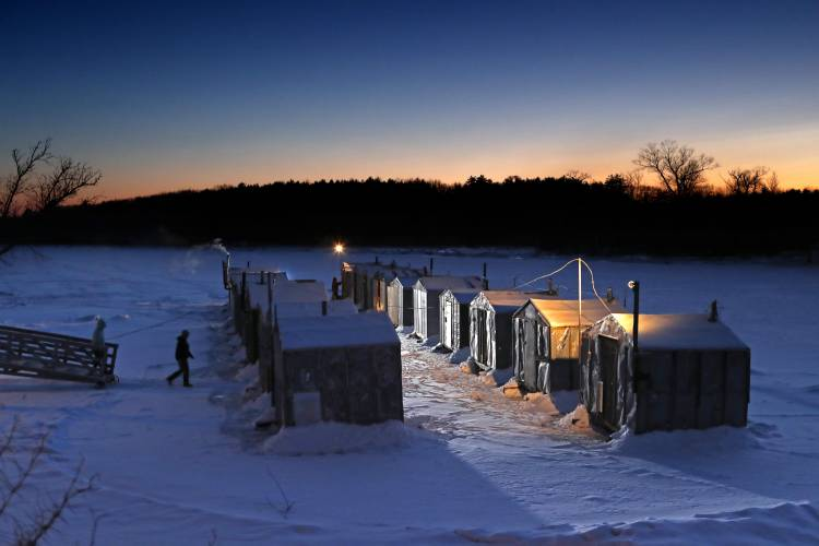 Smelts beloved by ice fishermen continue comeback for Ice fishing nh