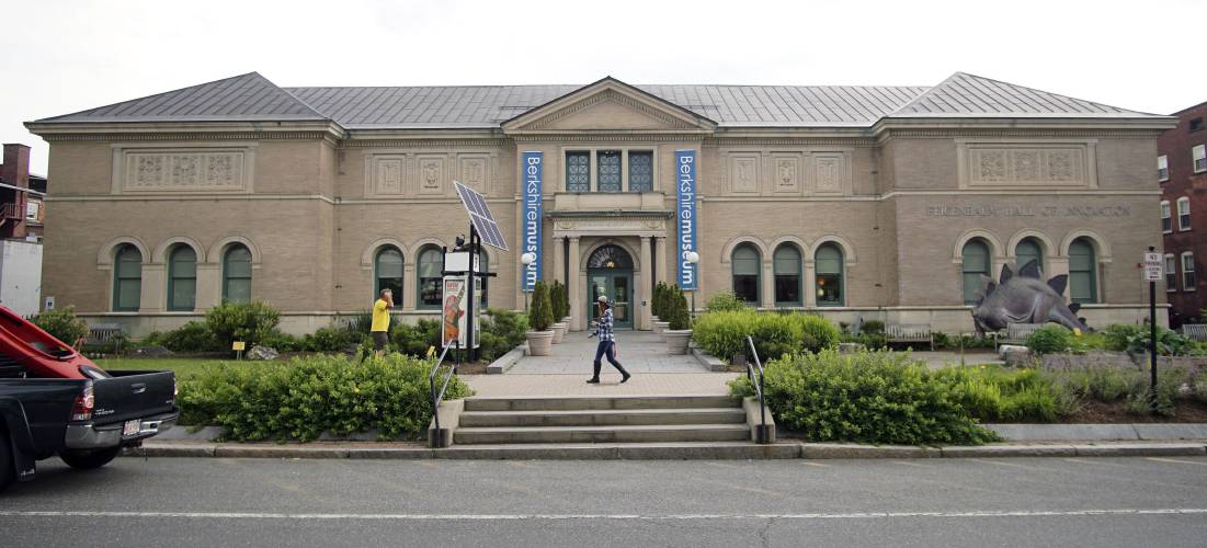Judge gives green light to contentious museum art sale