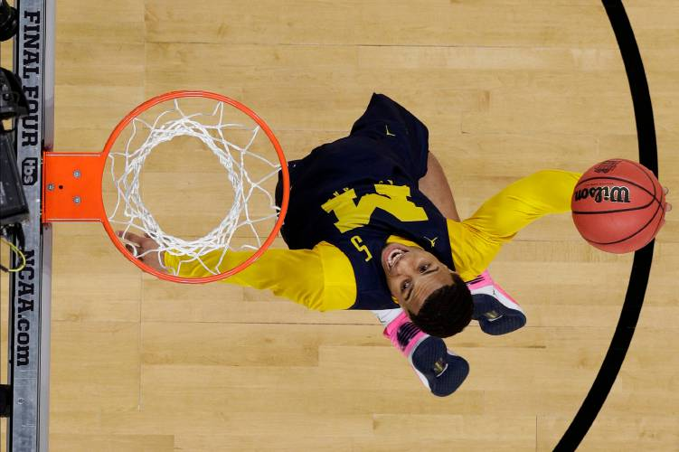 FINAL FOUR: Michigan ends Loyola-Chicago's dream season in San Antonio