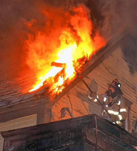Fire erupts in Franklin home