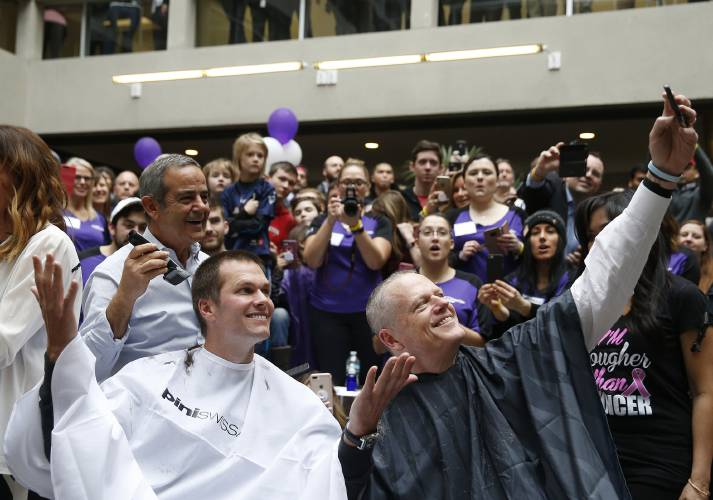 Tom Brady gets buzz cut as cancer charity raises $6.5M