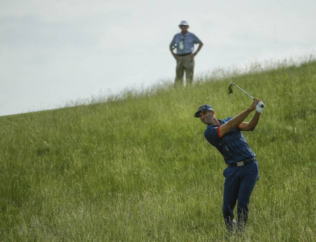 Fowler beats up Erin Hills
