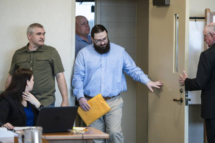 Lawyer: Driver in wrong-way Vermont crash that killed 5 was insane