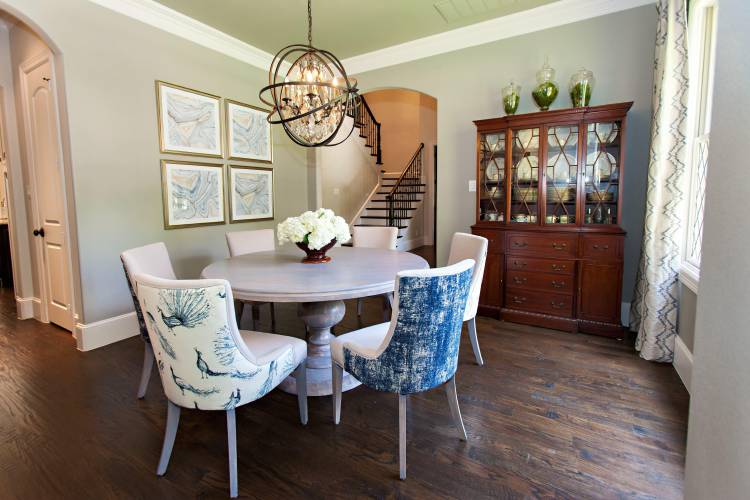 Rethinking The Holiday Dining Room, Rug Or No Rug Under Dining Room Table