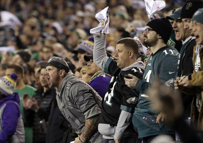 cb006499 Fans behaving badly: Pats, Eagles bring out worst in fans