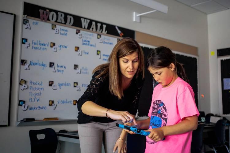 Mcauliffe School Tech Integrationist To Visit Teach In 25 Nh