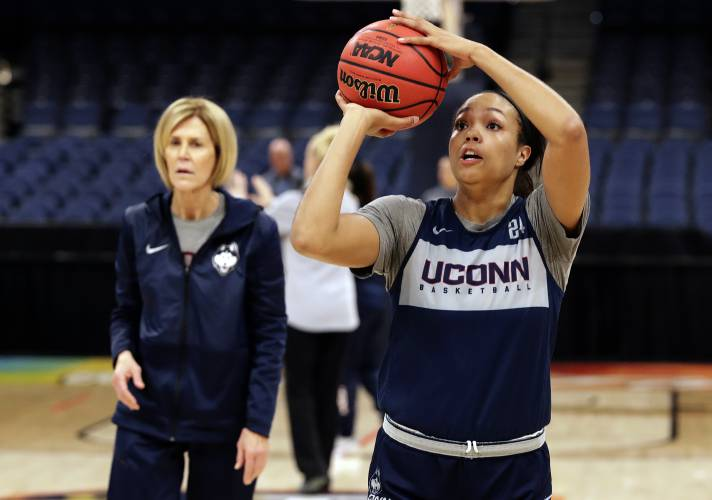 reputable site f55cf cc79b UConn, Notre Dame set to renew their rivalry at Final Four