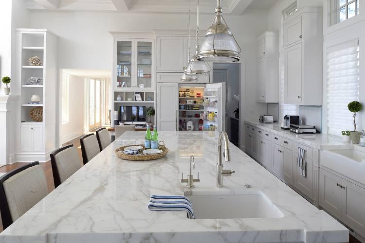 White kitchens that aren\'t bland