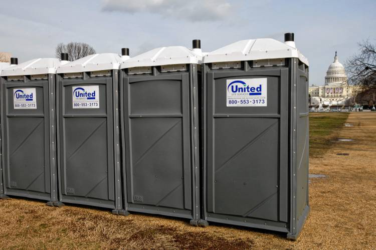 Charmant A Row Of Portable Toilets Lines The National Mall Near The Capitol In  Washington, D.C., In 2009. Since President Donald Trump Has Taken Office,  ...
