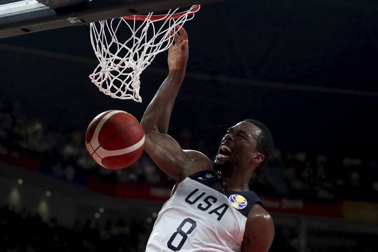 Americans top Antetokounmpo, Greece at World Cup, 69-53