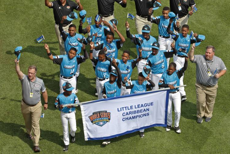 Small island with MLB ties, Curacao looks tough at LLWS
