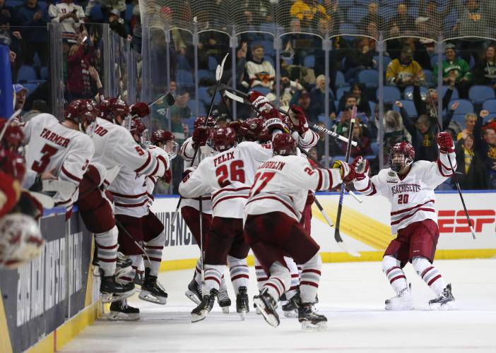 Frozen Four Final Pits Defending Champ Umd Against Upstart Umass