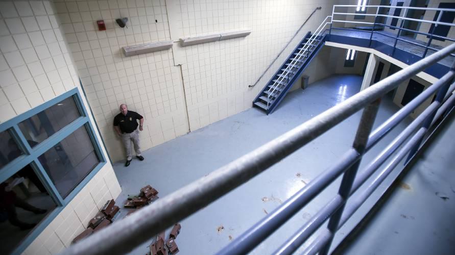 Merrimack County jail employee, Shaw's workers testpositive for virus