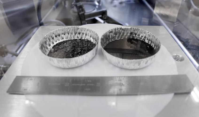 Carbon dating van Moon Rocks