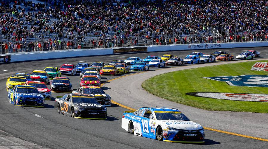 Nascar Pole Position >> Nascar Rolls Into Loudon For A Packed Weekend Of Racing