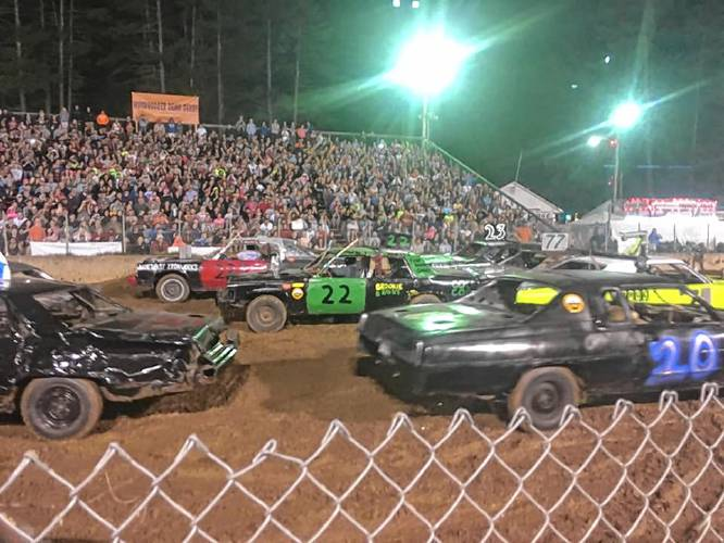Demolition Derby It S A Smashing Time At The Hopkinton State Fair