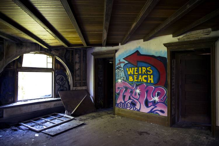 Kimball Castle, long in disrepair, finally sells