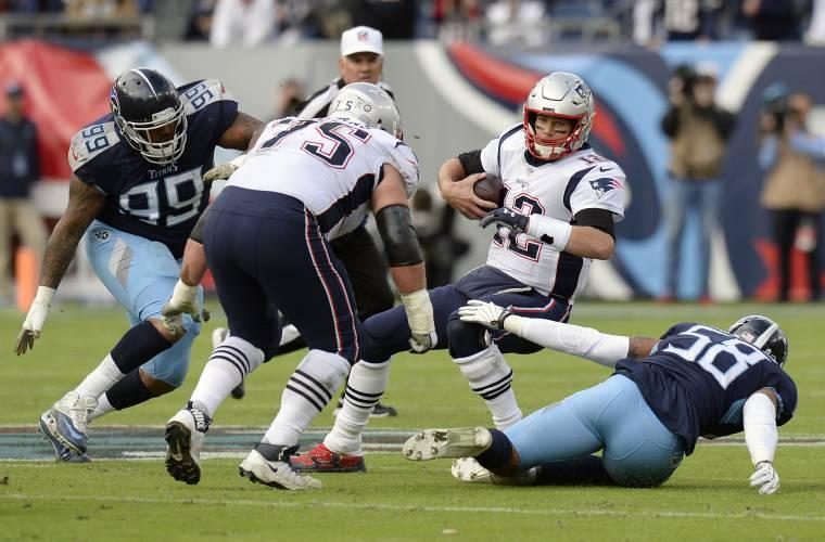 4747cd78 Vrabel's Titans rough up Brady, rout Patriots, 34-10