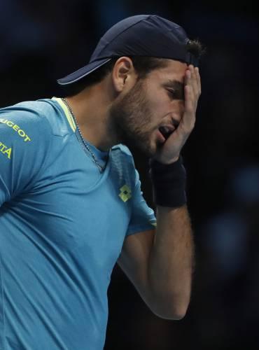 Thiem Beats Federer At Atp Finals Djokovic Cruises