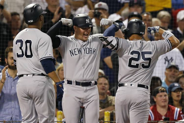 buy online 123a9 9ccb3 Yankees power past Red Sox, 10-5